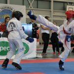 Taekwondo Middelburg Puck Selewane en Merel de Rijke
